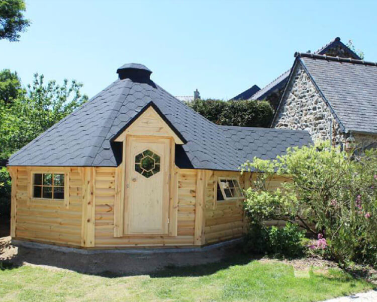 6.5m with extension bbq hut